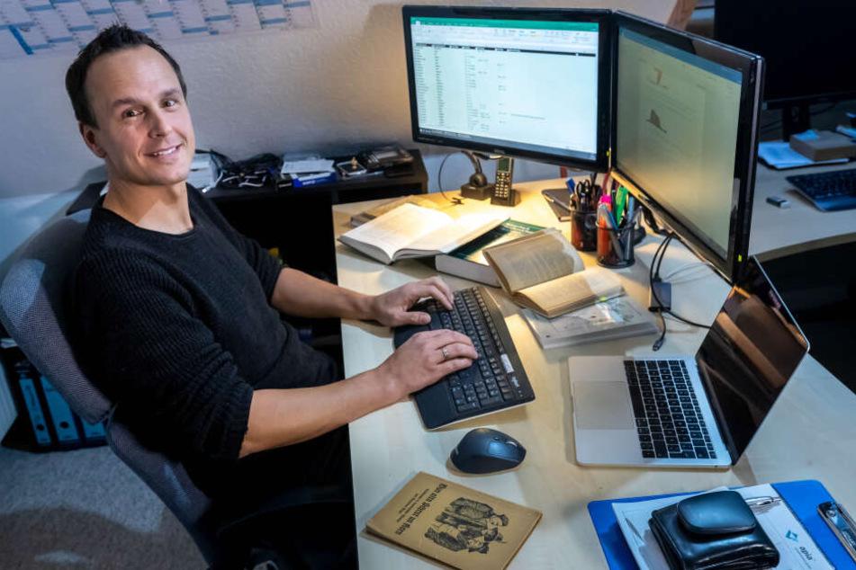 Andreas Göbel (43) arbeitete bei der Übersetzung mit Hilfe einer eigens angelegten Datenbank.