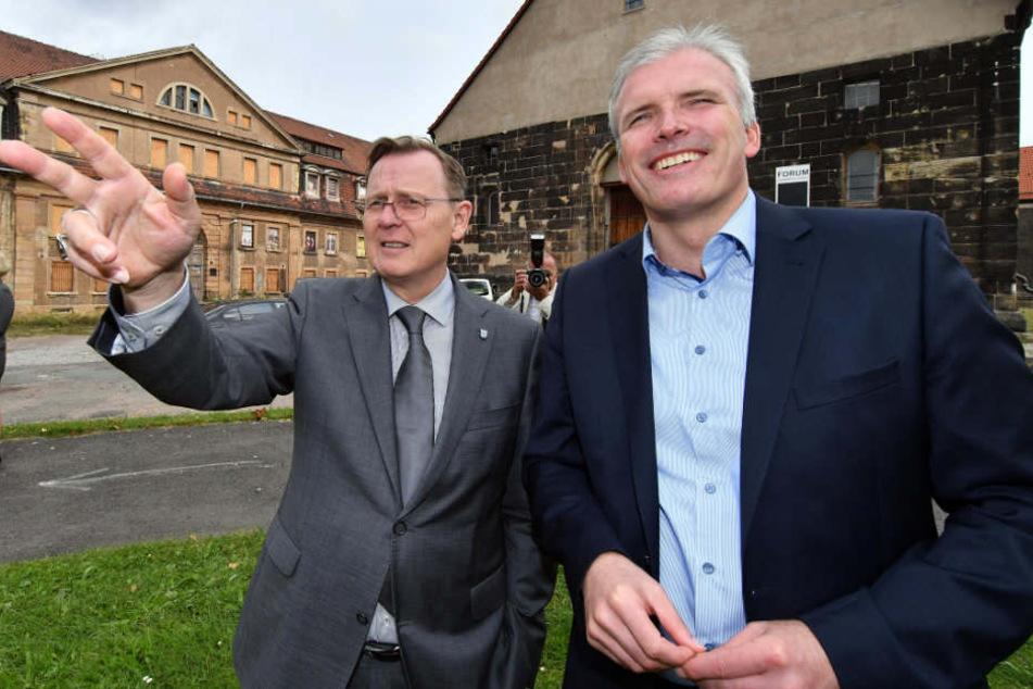 Bodo Ramelow (l., Linke) und Oberbürgermeister Andreas Bausewein (SPD) besichtigten bereits den Standort des neuen Landesmuseum auf dem Petersberg.