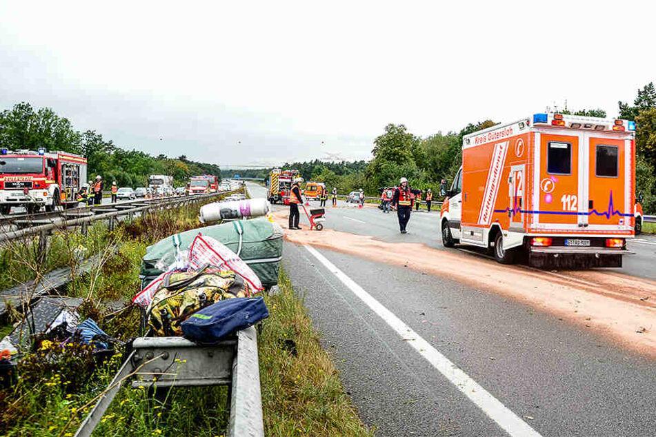 Beim Unfall auf der A2 verletzten sich insgesamt neun Personen, zwei davon schwer!