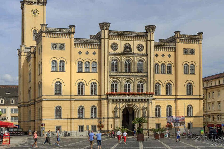 Rathaus von Zittau: Der Stadtrat will nun einen gebürtigen Zittauer wählen.