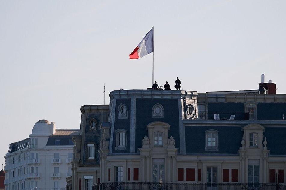 Polizisten auf einem Gebäudedach: Der G7-Gipfel findet vom 24. bis 26. August in Biarritz statt und könnte zum Ziel zahlreicher Proteste werden.