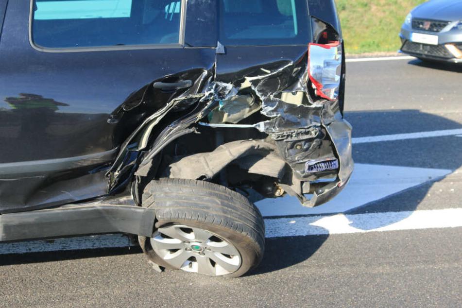 Zwei Autos konnten sich nach diesem Unfall nicht mehr alleine von der Stelle bewegen.