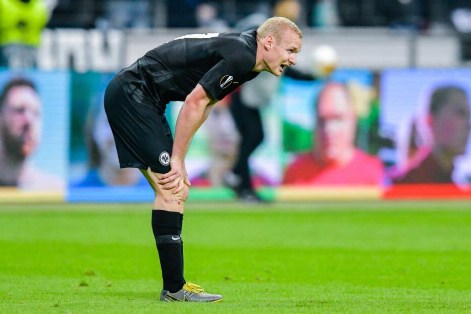 Sebastian Rode verdrehte sich im Europa-League-Halbfinale gegen den FC Chelsea das Knie und erlitt einen Knorpelschaden.