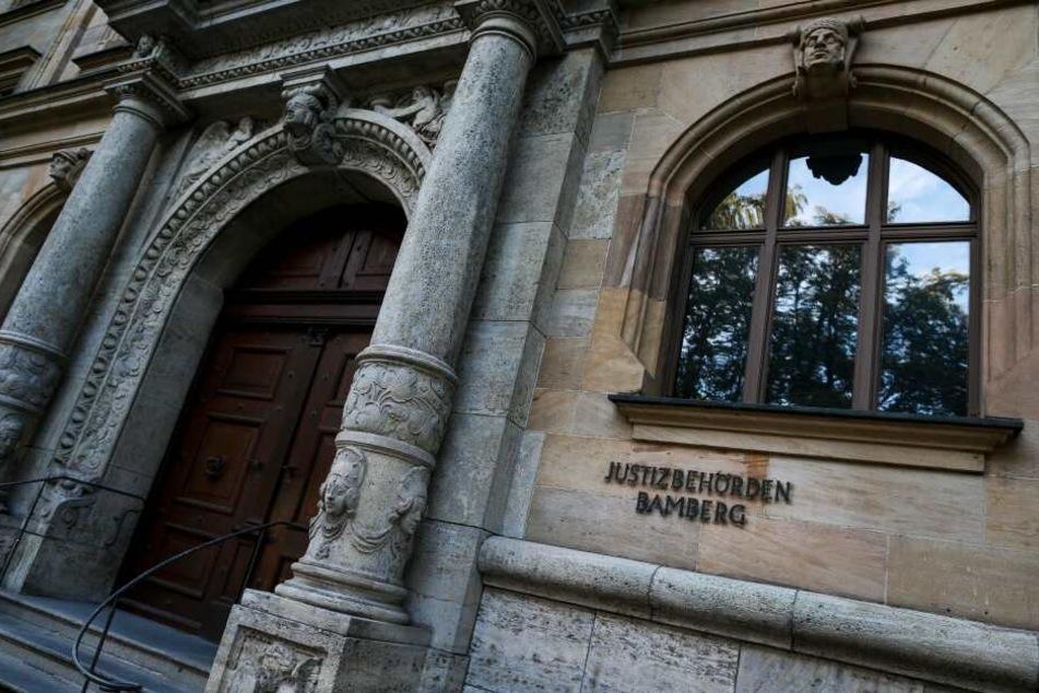 Chemnitz: Bankkunden um 1,1 Millionen Euro betrogen: Chemnitzer stehen in Bayern vor Gericht