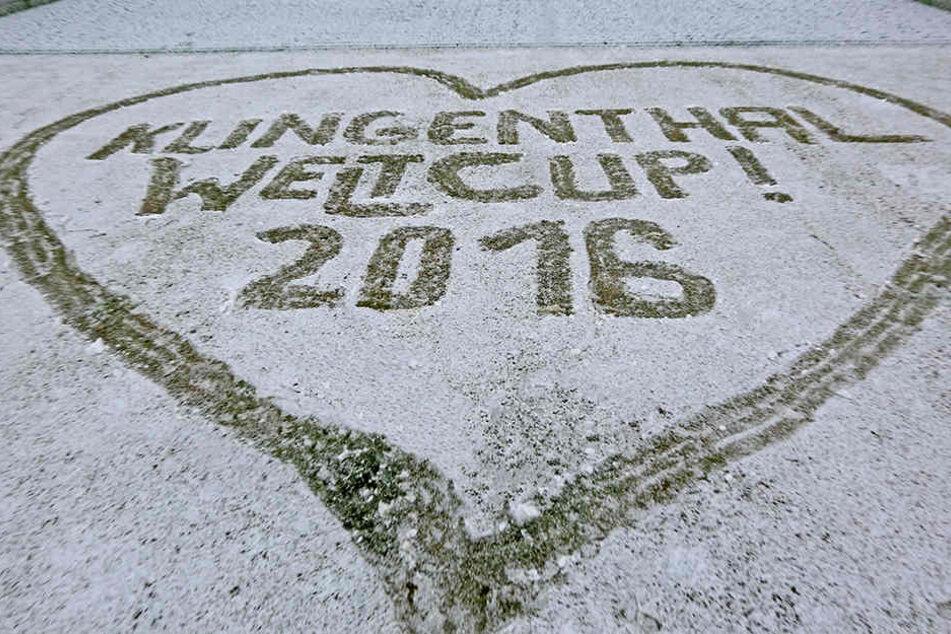 Die Vorbereitungen für den Weltcup laufen, da kam der Schnee ganz gelegen.
