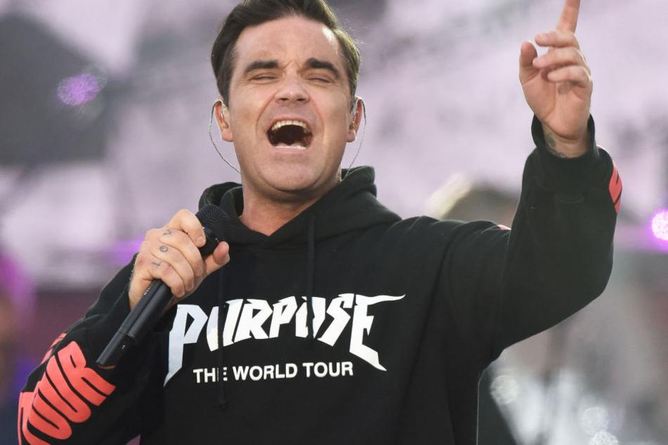 """Auch Robbie Williams begeisterte mit seinen Songs """"Angels"""" und """"Strong""""."""