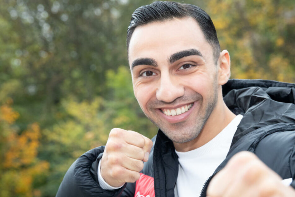 Artem Harutyunyan aus Deutschland kämpft am 9.11.2019 um den IBO International Titel im Superleichtgewicht.
