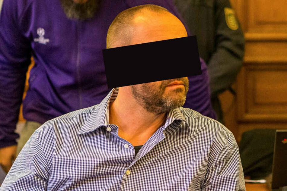 Frank M.s (47) Anwälte beschreiben die an seinen Schuhen gefundene Opfer-DNA als Kontamination.