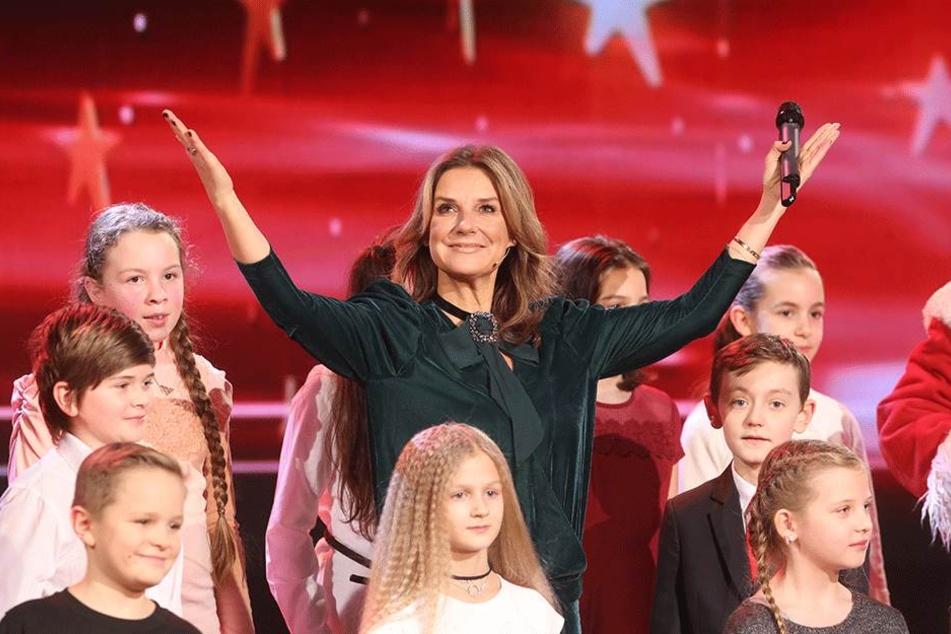 """Kim Fisher (48) in der Chemnitzer Stadthalle. Die Moderatorin präsentiert in der MDR-Show """"Weihnachten bei uns"""" Künstler, wie ..."""