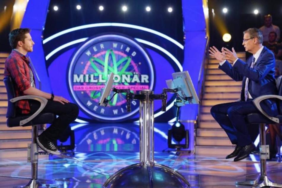 """Sebastian Runde auf dem Stuhl bei """"Wer wird Millionär?"""" Am Ende durfte er sich über 125.000 Euro freuen."""