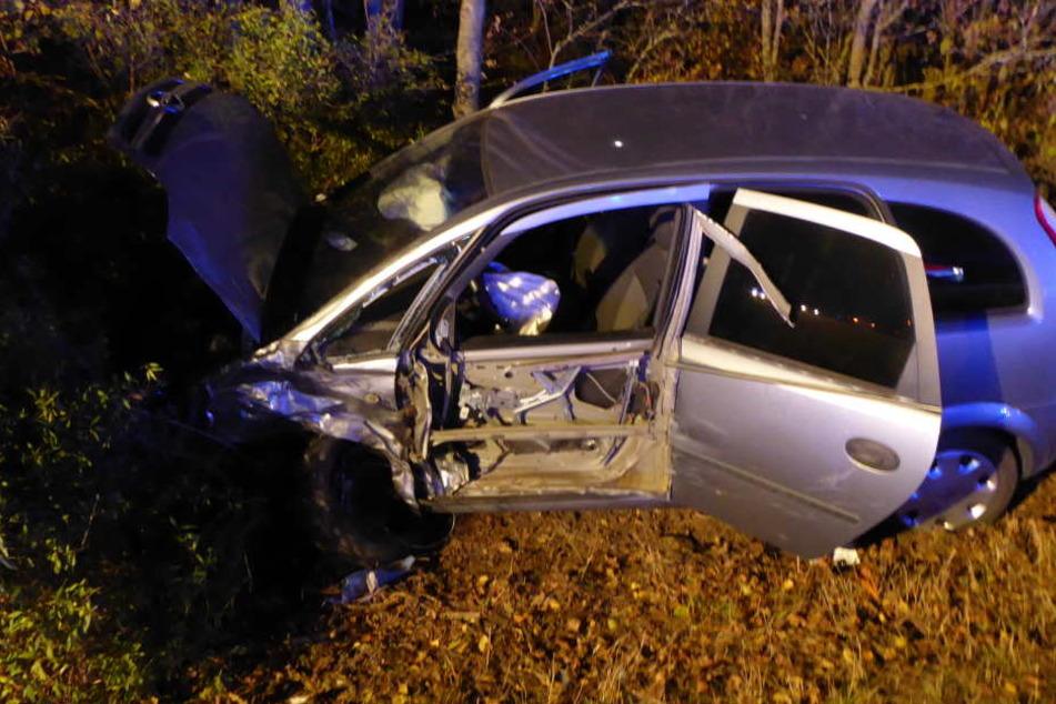 Völlig betrunkener Autofahrer rauscht in Gegenverkehr