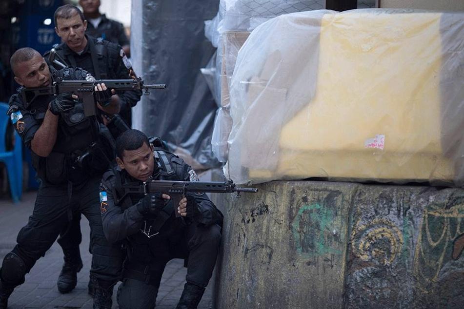 In Rio de Janeiro ist ein Krieg zwischen Drogenbanden und Sicherheitskräften ausgebrochen.