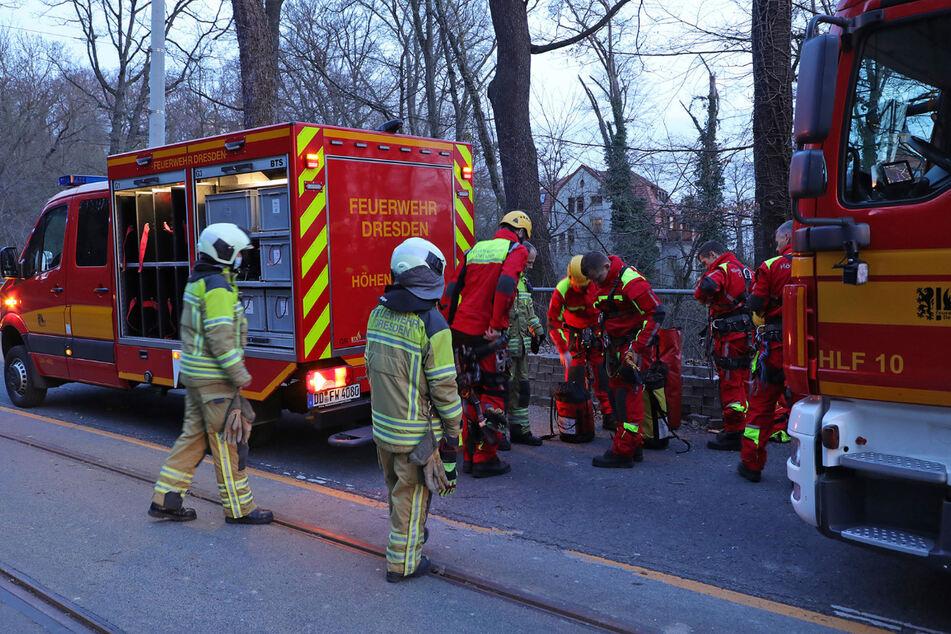 Die Feuerwehr musste zwei Frauen an der Mordgrundbrücke aus einer misslichen Lage befreien.