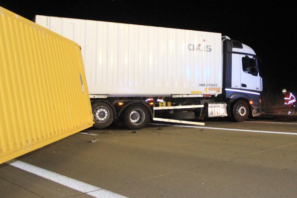 Auf der Autobahn 93 in Bayern ist es zu einem Unfall gekommen.