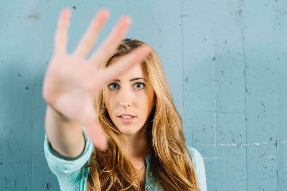 Tätern offensiv entgegentreten: Es ist wichtig, immer deutlich Ablehnung zu signalisieren.