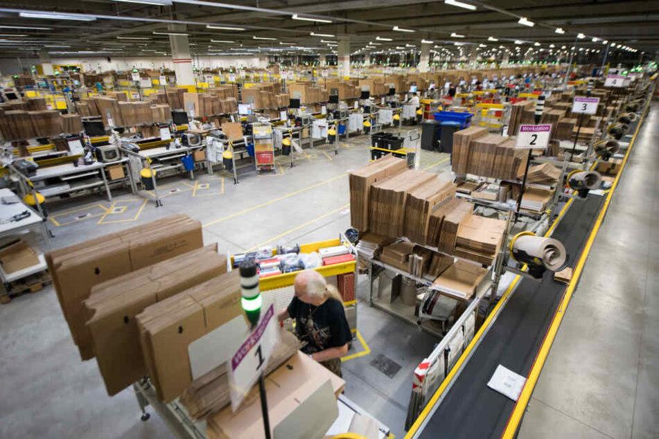 Auch Amazon selbst weiß nicht, woher die Pakete genau kommen.