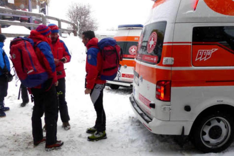 Rettungskräfte bei ihrer Arbeit nach dem Lawinenunglück in Südtirol.