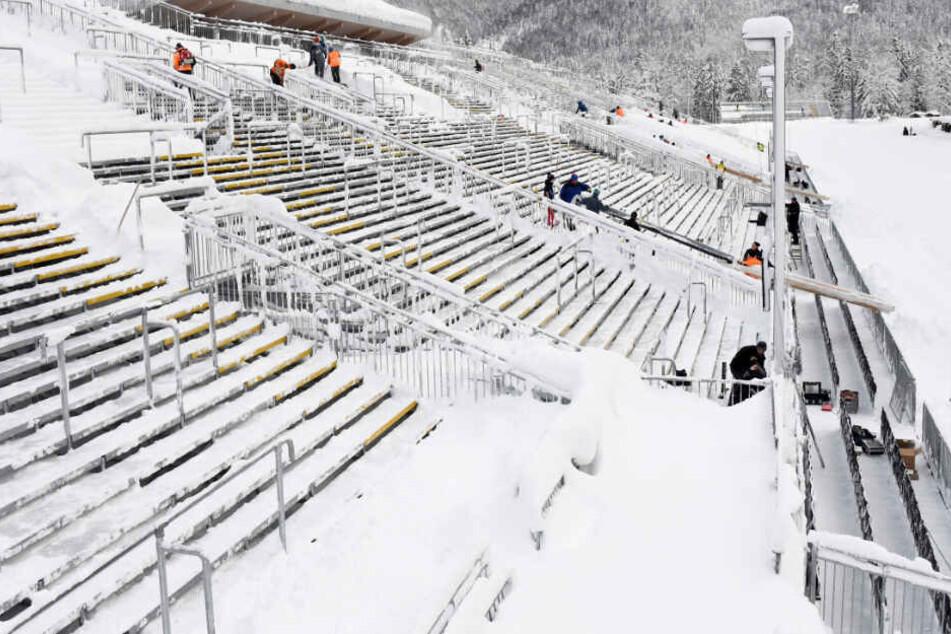 Die Vorbereitungen für den Biathlon-Weltcup dauern in Ruhpolding an. (Archivbild)