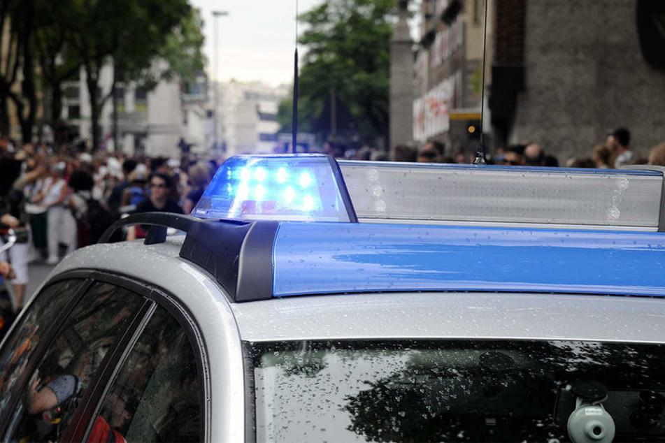 In Baden-Württemberg wurde ein 45-Jähriger festgenommen, nachdem er auf Autos schoss und Passanten bedrohte.