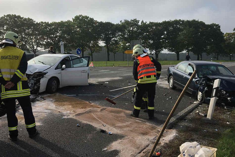 2 Verletzte! Toyota und Mazda knallen zusammen