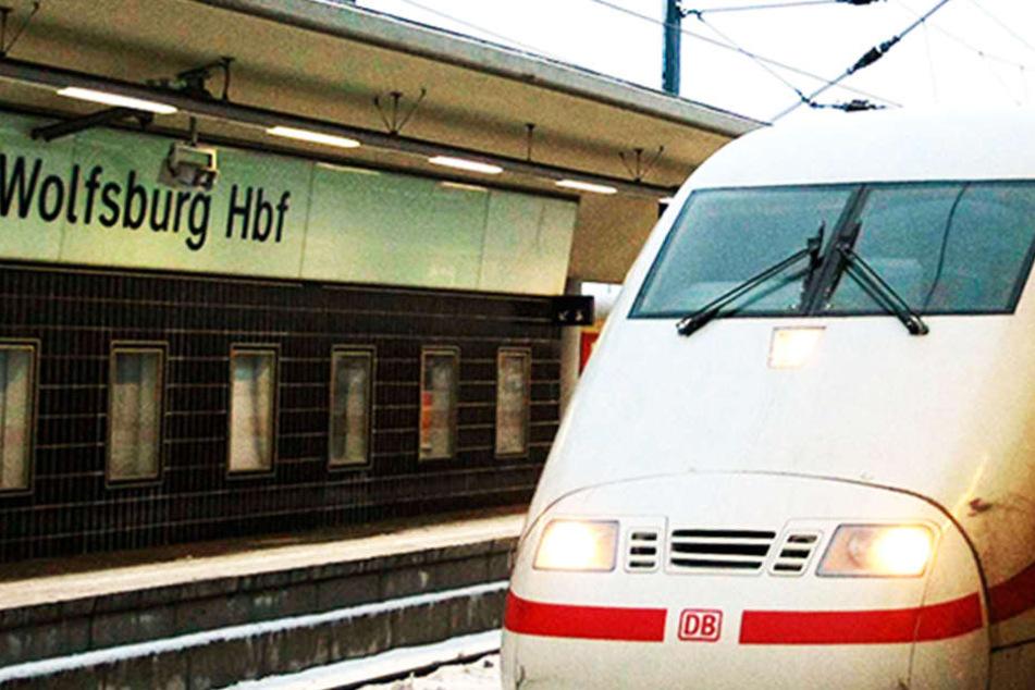 Es ist nicht das erste Mal, dass der Halt am Bahnhof Wolfsburg ausfällt. (Symbolbild)