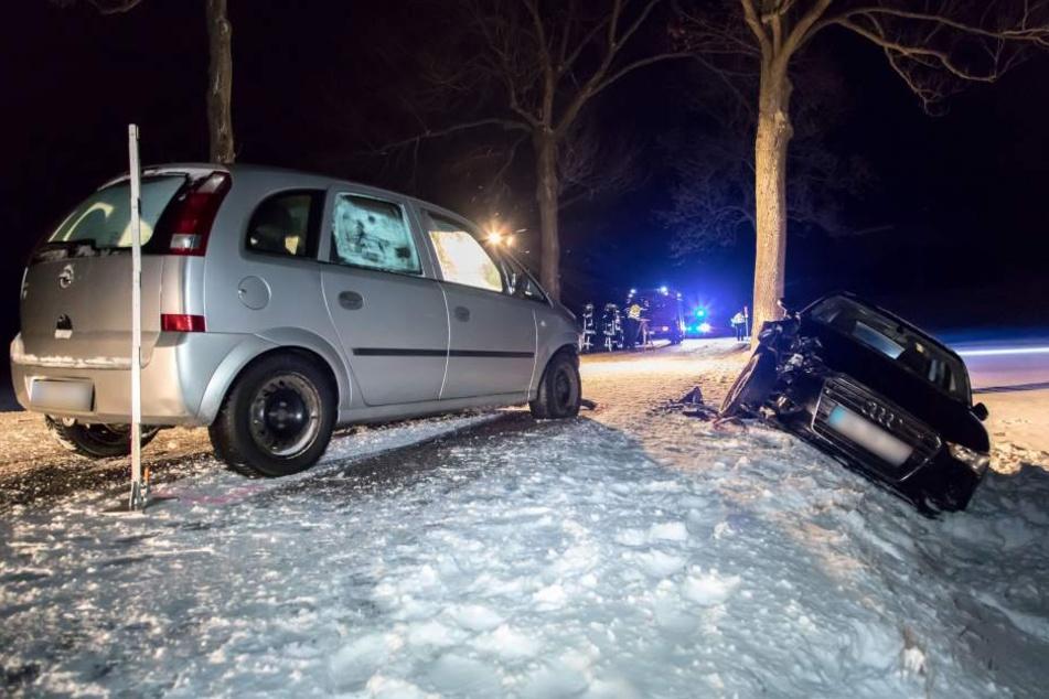 Schwerer Glätte-Crash im Erzgebirge: Drei Verletzte