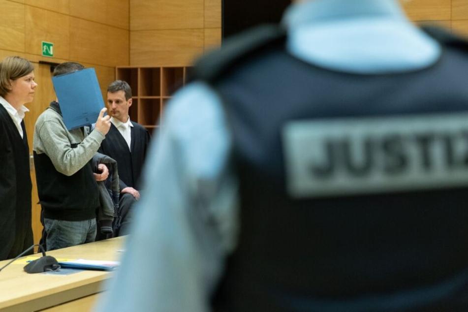 Vor dem Bielefelder Landgericht wurde Klaus O. zu lebenslanger Haft verurteilt.