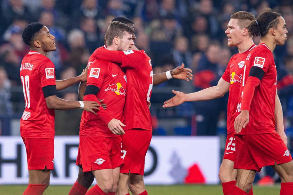 In der zweiten Halbzeit legten Timo Werner (2.v.l.), Marcel Halstenberg (2.v.r.), Angelino und Emil Forsberg (beide nicht im Bild) zum 5:0-Endstand nach.