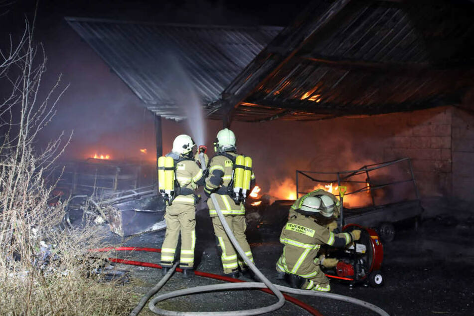 Schock im Faschingsverein! Lagerhalle brennt lichterloh