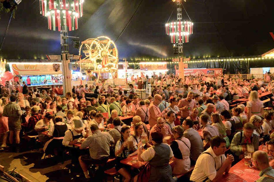 """""""Begeistertes Publikum"""": Dresden kann auch Oktoberfest, wie 38.000 Feiernde bewiesen."""