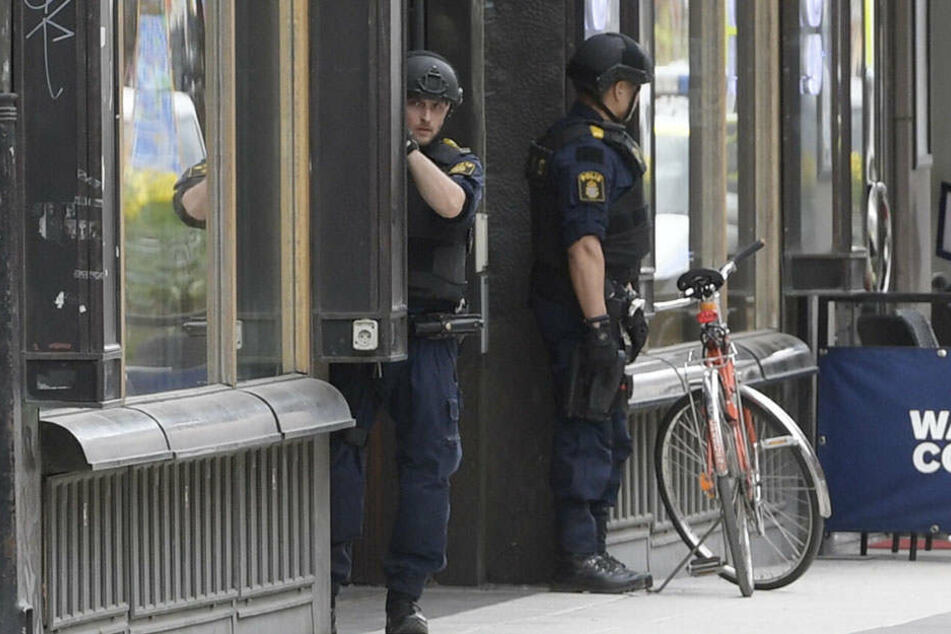 Die Polizei riegelte das Gebiet ab. (Symbolbild)