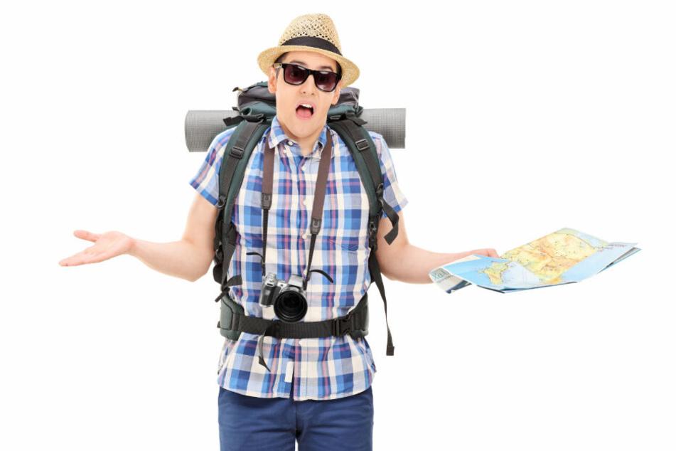 """Ein entsetzter Tourist, dem es offenbar ähnlich geht, wie dem Fluggast, der nicht in den """"bombigen Urlaub"""" nach Florida fliegen durfte (Symbolbild)."""
