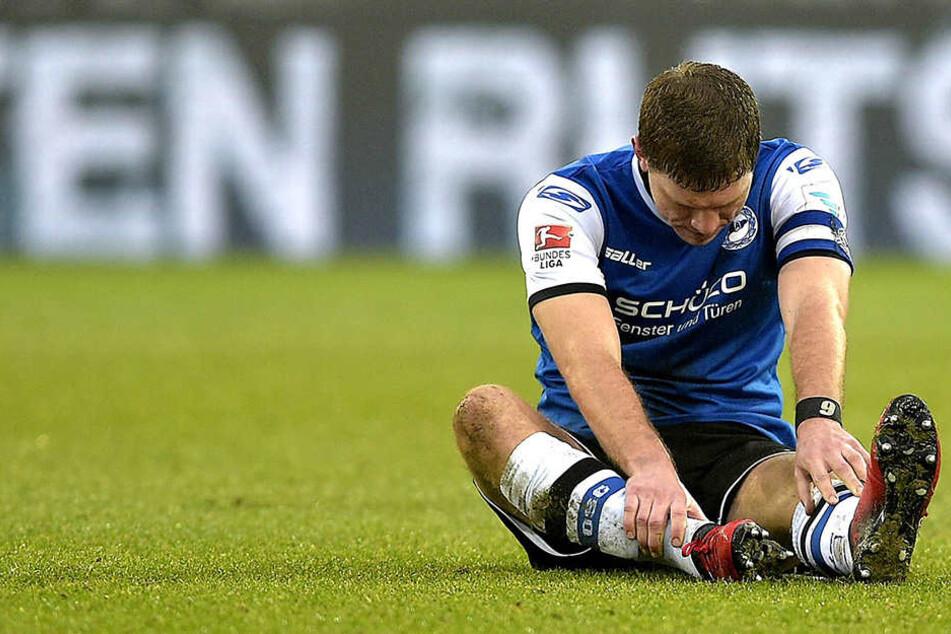 Fabian Klos (29) zog sich im Spiel gegen Dynamo Dresden eine hartnäckige Fußverletzung zu.