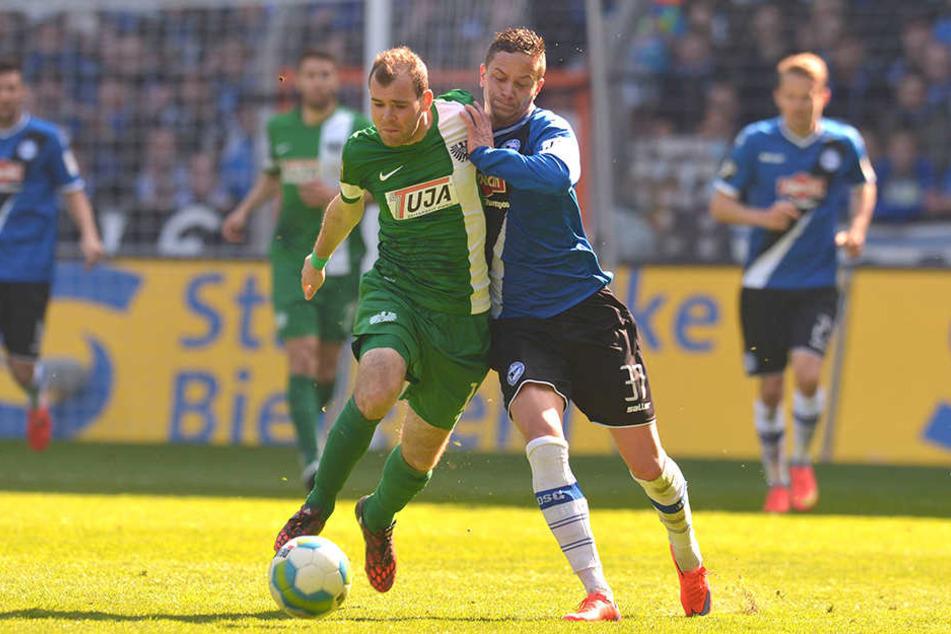Christian Müller wechselt die Farben: 2015 war er im Derby noch für den DSC aktiv, jetzt kicket er für Münster.