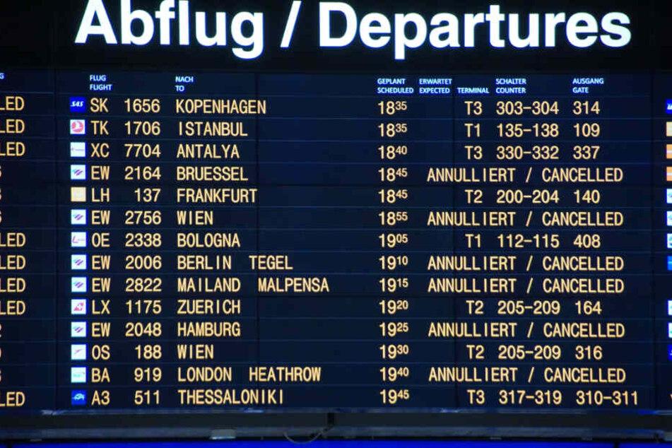 Eine Reihe von Flügen wurde bereits am Sonntag gestrichen.