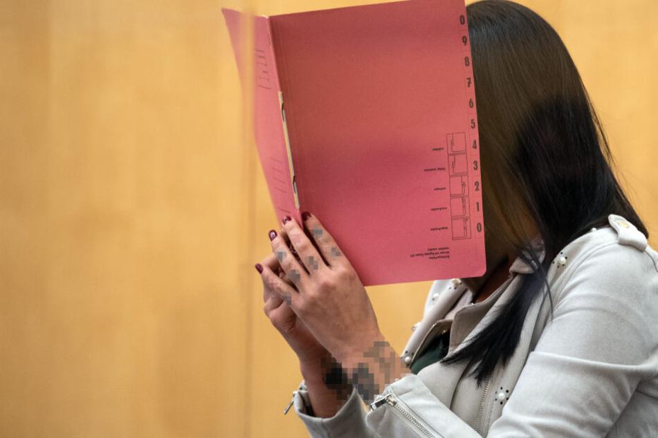 Wiedersehen mutmaßlicher IS-Rückkehrerinnen vor Gericht