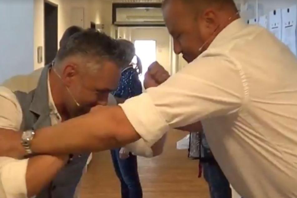 Zwischen Frank Rosin (51, r.) und Roland Trettl (46) entbrannte ein handfester Streit.