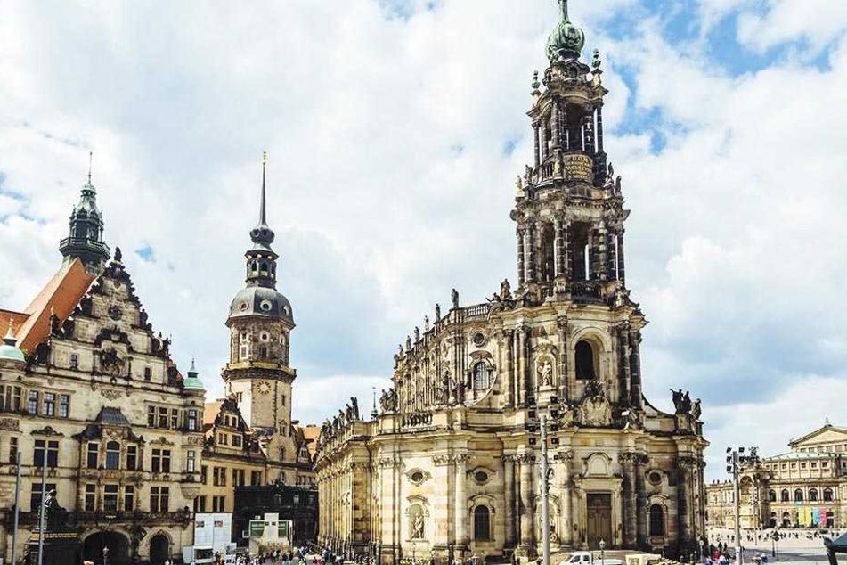 Die historische Dresdner Hofkirche wurde jetzt Opfer eines Einbrechers.