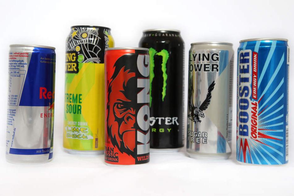 Für Minderjährige sollen Energy-Drinks unschöne Nebenwirkungen haben, deshalb wird ein Verkaufsstopp gefordert.