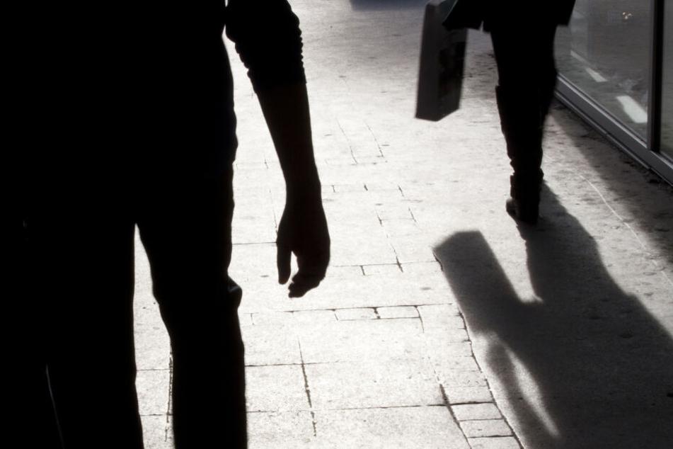 Stand jetzt wird in elf Fällen gegen den erst 14-jährigen Tatverdächtigen ermittelt (Symbolbild).