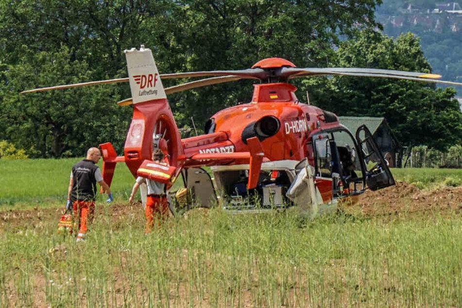 Eine 36-jährige Frau wurde schwer verletzt in die Klinik geflogen.