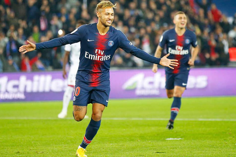 Da kann er sich freuen: Wenn sich Neymar an bestimmte Regeln hält, verdient er pro Jahr 4,5 Millionen Euro mehr.