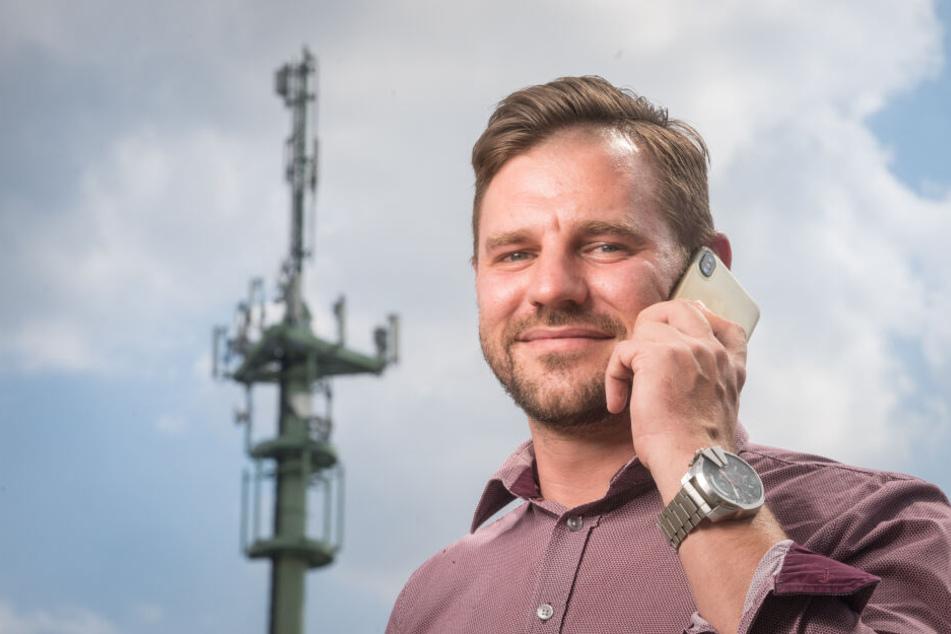 Bürgermeister Sascha Thamm (33) freut sich über die Vorreiterrolle von Neukirchen.