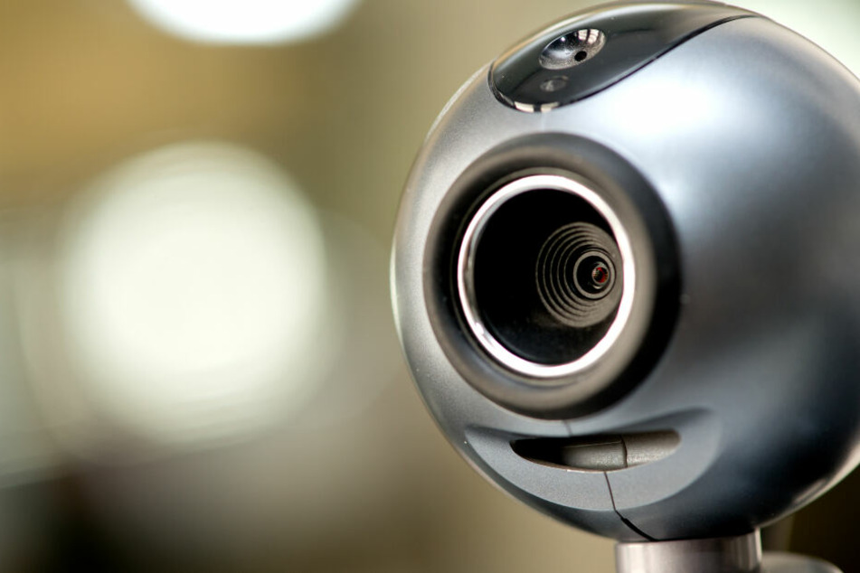 Wenn tatsächlich eigene Videoaufnahmen existieren, werden Opfer damit erpresst.