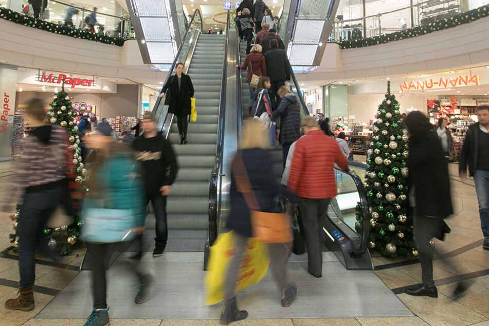 Früher stürmten russische Touristen zu Weihnachten Dresdens Geschäfte - wie  hier die Altmarktgalerie. Doch der Boom ist vorbei.