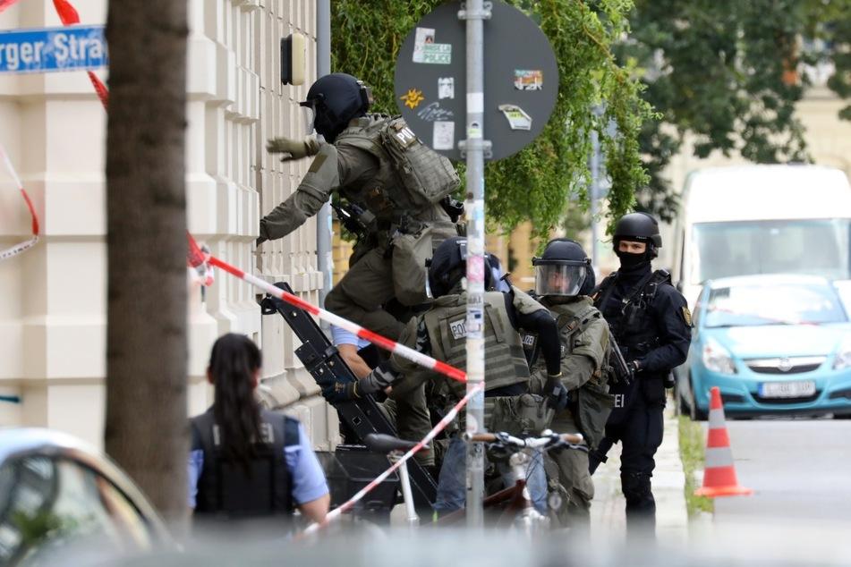 SEK-Einsatz im Leipziger Westen: Mann bedroht Gerichtsvollzieher
