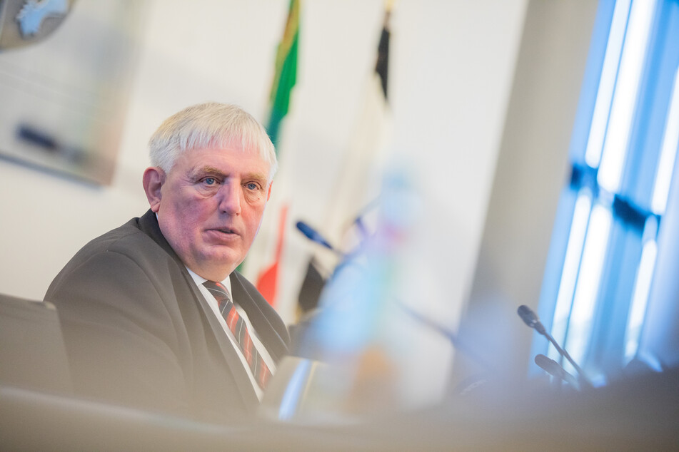 Laut Karl-Josef Laumann (CDU), Gesundheitsminister von Nordrhein-Westfalen, befindet sich die Infektionslage weiter auf einen hohen Niveau.
