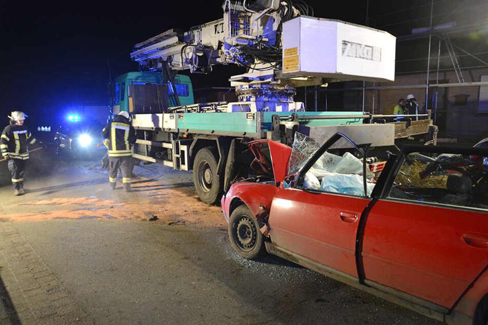 Niedersachsen: Drei Jugendliche sterben bei illegalen Spritztouren mit Autos der Eltern