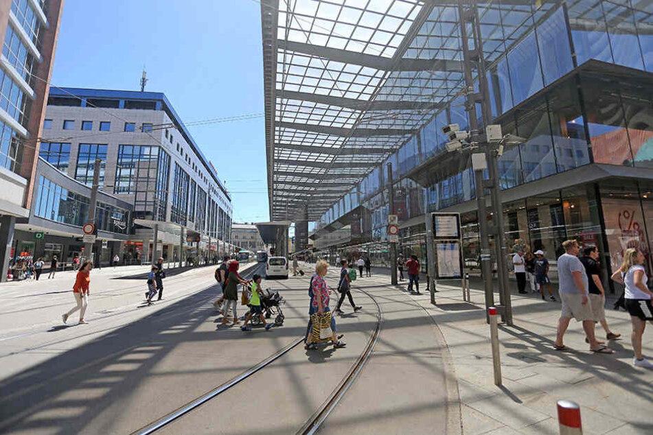 Videoüberwachung: Im Bereich Galerie Roter Turm/Neumarkt sind bereits Kameras installiert.