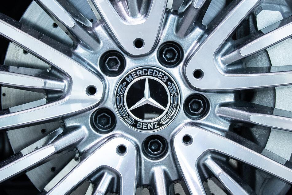 Daimler hatte bisher angekündigt, in den Mercedes-Werken in Rastatt und Bremen jeweils Tausende Mitarbeiter in die Kurzarbeit zu schicken.